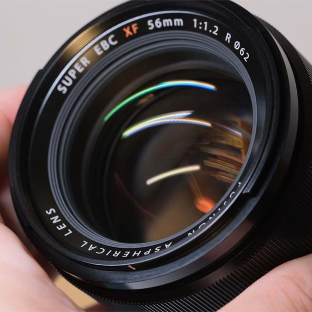 富士フイルム(フジフイルム)のFUJIFILM XF 56mm F1.2 R 富士フイルム スマホ/家電/カメラのカメラ(レンズ(単焦点))の商品写真