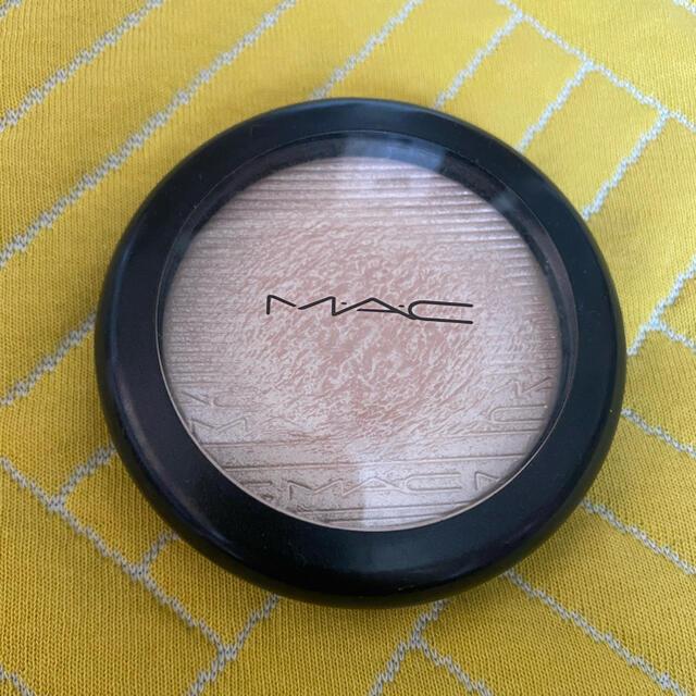 MAC(マック)のᎷACエクストラ ディメンション スキンフィニッシュ ダブル グリーム コスメ/美容のベースメイク/化粧品(フェイスパウダー)の商品写真