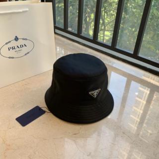 PRADA - 大人気 美品 プ ラ ダ  ナイロン  バケットハット 帽子