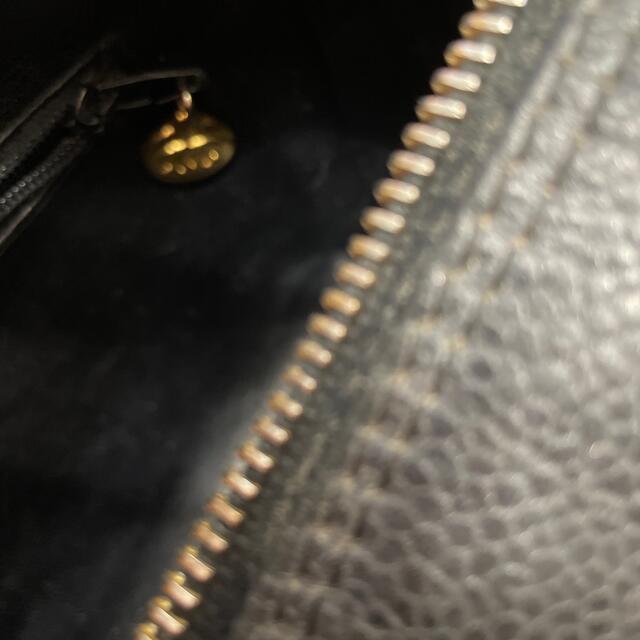 CHANEL(シャネル)のCHANEL黒キャビア スキンポーチクラッチ レディースのファッション小物(ポーチ)の商品写真