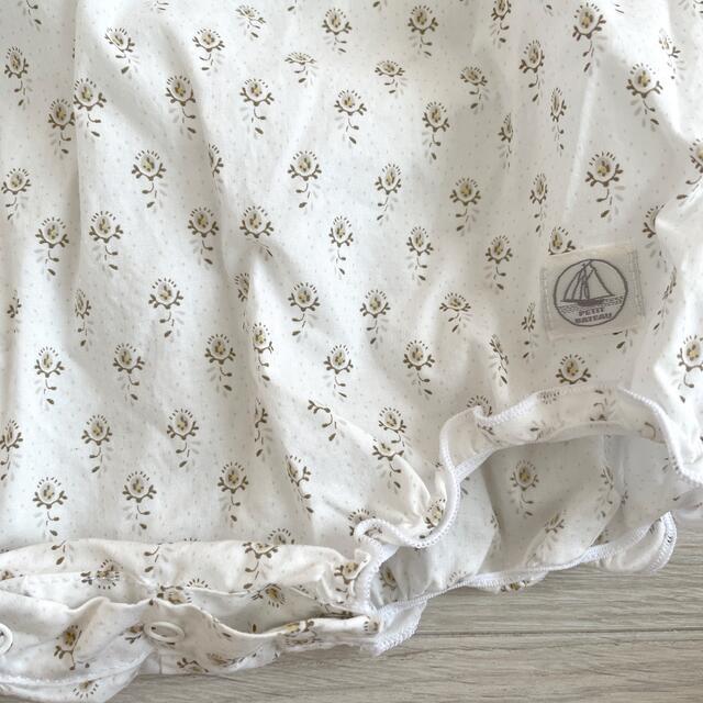 PETIT BATEAU(プチバトー)のPETIT BATEAU プチバト- ベビーロンパース 3m/60㎝ キッズ/ベビー/マタニティのベビー服(~85cm)(ロンパース)の商品写真