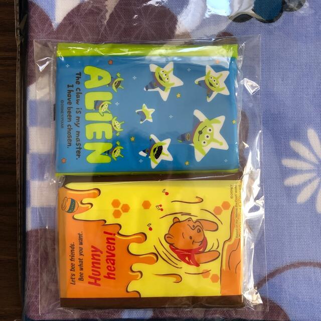 Disney(ディズニー)のミッキー タオルとティッシュ  エンタメ/ホビーのおもちゃ/ぬいぐるみ(キャラクターグッズ)の商品写真