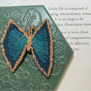 ミナペルホネン ブローチ ちょうちょ ブルー バッグチャーム チャーム 蝶