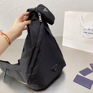 PRADA - Pradaの胸バッグ ショルダーバッグ
