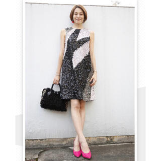 GRACE CONTINENTAL - グレースコンチネンタル スパンコールワンピース 米倉涼子さん 配色 ドレス