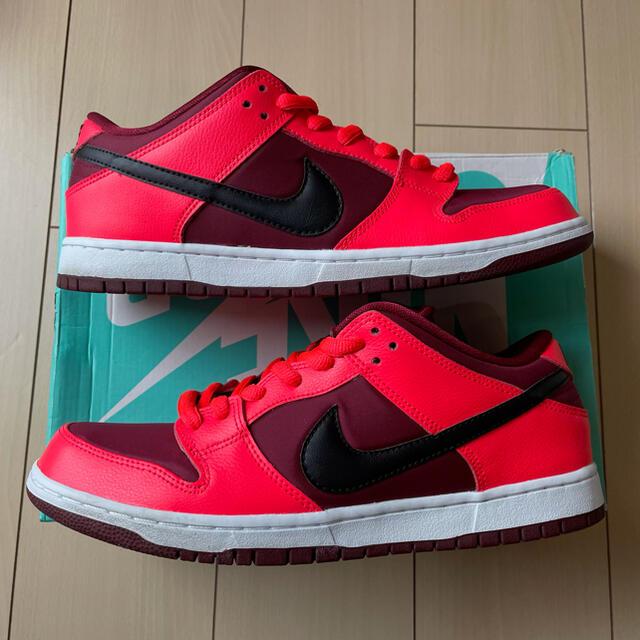 NIKE(ナイキ)のDUNK LOW PRO SB CRIMSON 29cm メンズの靴/シューズ(スニーカー)の商品写真