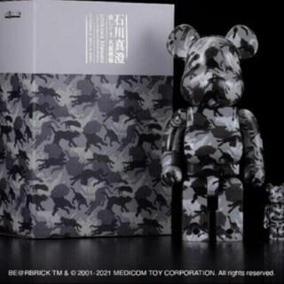 MEDICOM TOY - BE@RBRICK 石川真澄「猫しぐさ 名採模様」 100% & 400%