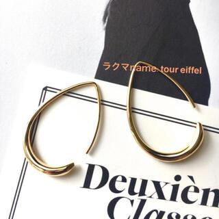 H.P.FRANCE - 新品 限定価格 ドゥーズィエムクラス 18kgf ゴールド 曲線美ピアス