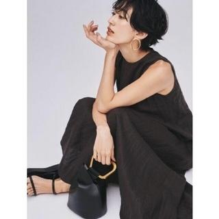 Mila Owen - 新品タグ付 ステッチワークノースリリネンマキシワンピース 灰色 黒