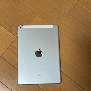 iPad - 【美品】Apple iPad 第6世代 32GB シルバー  ドコモ