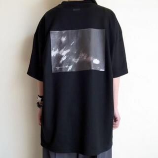 SUNSEA - stein PRINT TEE - HELVETICA- BLACK S
