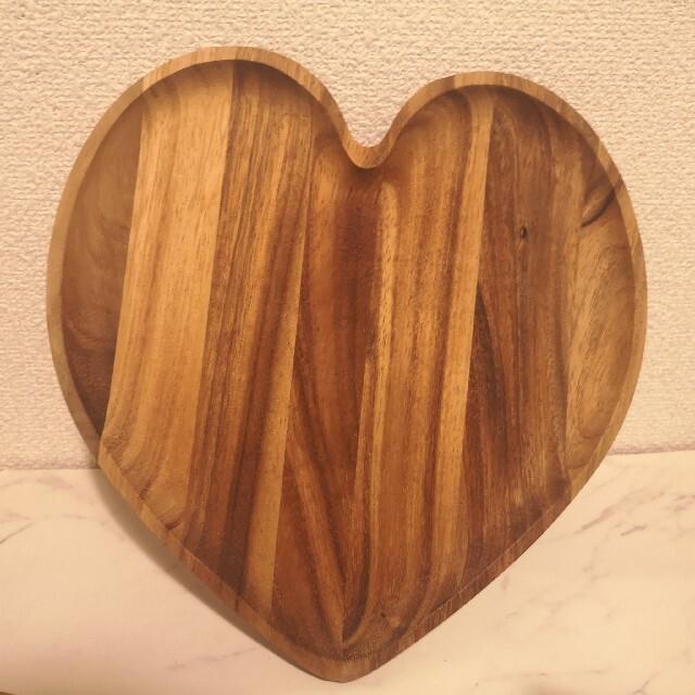 Francfranc(フランフラン)のフランフランfrancfranc ハート木皿 2枚 インテリア/住まい/日用品のキッチン/食器(食器)の商品写真