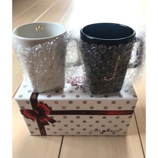 ジェジュンのカフェJholicの誕生日記念のマグカップセット