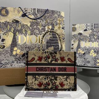 ディオール(Dior)のDior ディオール ブックトートバッグ フラワー刺繍(トートバッグ)