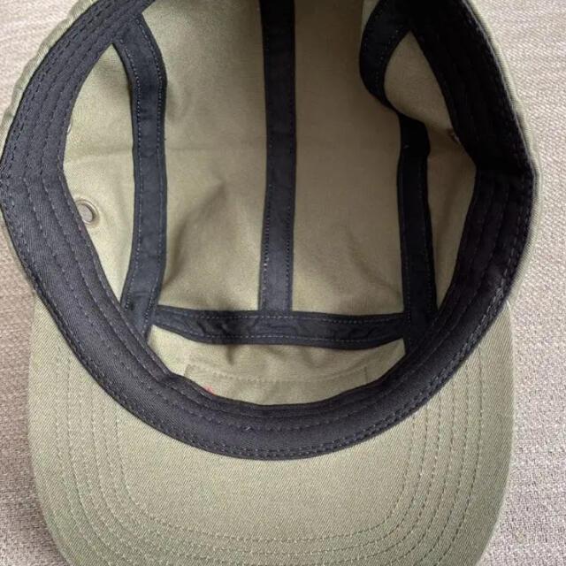 Supreme(シュプリーム)のシュプリーム カーキ キャップ メンズの帽子(キャップ)の商品写真