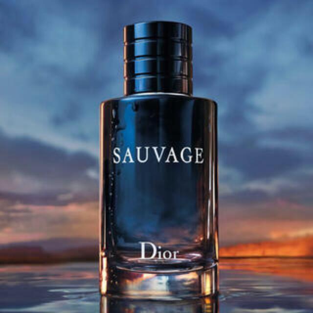 Dior(ディオール)のDior ソヴァージュ オードゥトワレ 10ml コスメ/美容の香水(ユニセックス)の商品写真