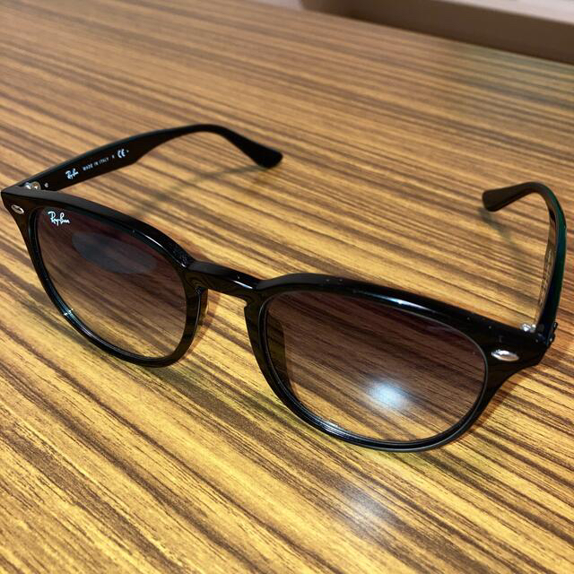 Ray-Ban(レイバン)のレイバン サングラス RB4259-F 601/19 レディースのファッション小物(サングラス/メガネ)の商品写真
