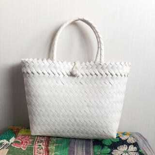 カスタネ(Kastane)のパサールバッグ かごバッグ メケアリ ホワイト(かごバッグ/ストローバッグ)
