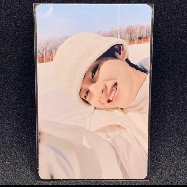 防弾少年団(BTS)(ボウダンショウネンダン)の【公式】BTS テテ テヒョン トレカ ウィンターパッケージ エンタメ/ホビーのCD(K-POP/アジア)の商品写真