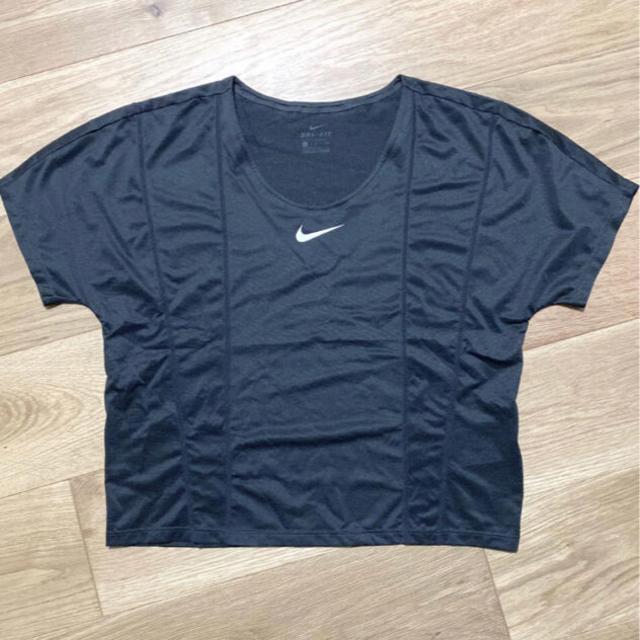 NIKE(ナイキ)のNIKE Tシャツ S レディースのトップス(Tシャツ(半袖/袖なし))の商品写真