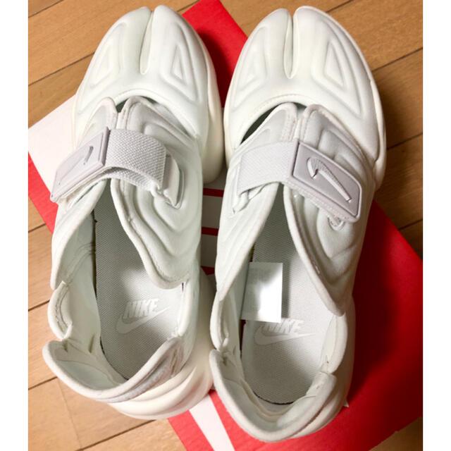 NIKE(ナイキ)のアクアリフト 25 ナイキ  NIKE レディースの靴/シューズ(スニーカー)の商品写真