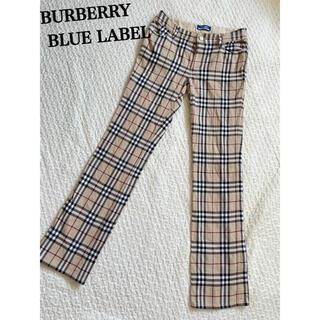 バーバリーブルーレーベル(BURBERRY BLUE LABEL)のBURBERRY ノバチェック パンツ ベージュ 34(カジュアルパンツ)