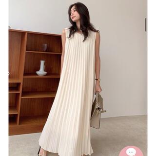 バースデーバッシュ♡クルーネックプリーツドレス