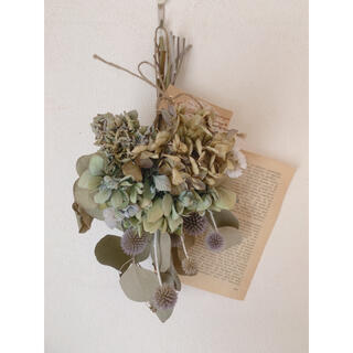 ドライフラワー 紫陽花と瑠璃玉アザミとポポラスのスワッグ(ドライフラワー)