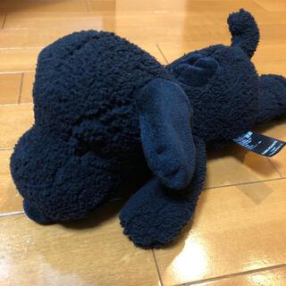 PEANUTS - 【KAWS×UNIQLOコラボ】スヌーピーぬいぐるみSサイズ(黒)