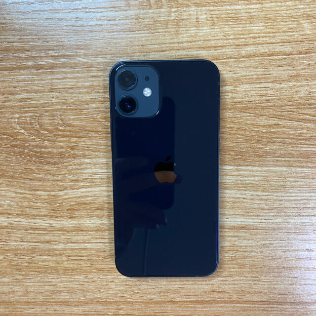 iPhone(アイフォーン)のiPhone12 mini 128GB docomo スマホ/家電/カメラのスマートフォン/携帯電話(スマートフォン本体)の商品写真