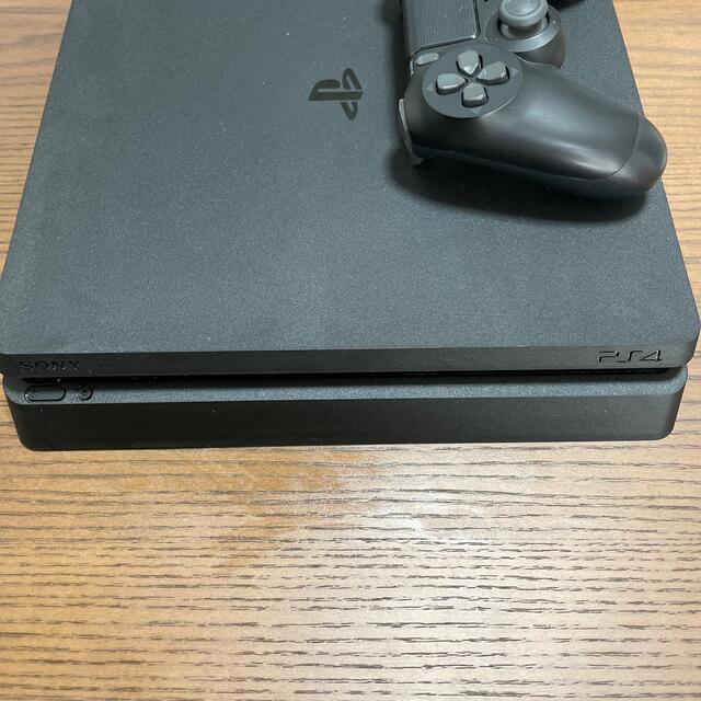 PlayStation4(プレイステーション4)のPlayStation4 Slim(CUH-2000A) エンタメ/ホビーのゲームソフト/ゲーム機本体(家庭用ゲーム機本体)の商品写真