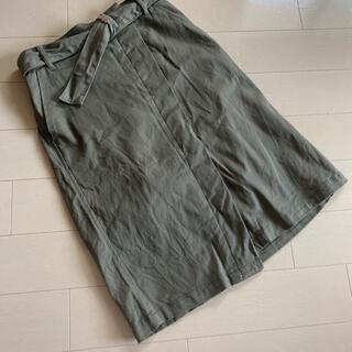 GU - 【GU ジーユー】カーキ ベルト付きスカート