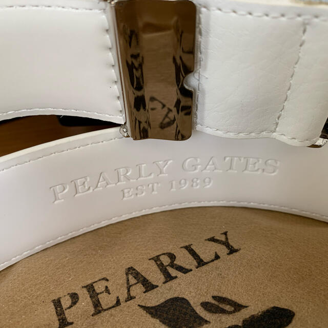 PEARLY GATES(パーリーゲイツ)ののり様専用  ☆新品☆ パーリーゲイツ ゴルフ レザー ベルト 白 男女兼用 スポーツ/アウトドアのゴルフ(その他)の商品写真