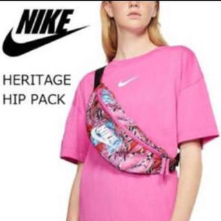 NIKE - ピンクのボタニカル柄が可愛い(๑˃̵ᴗ˂̵)✨‼️❤️NIKE❤️ボディバッグ