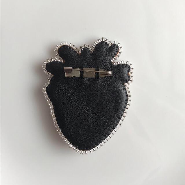コラゾン ブローチ 心臓 ビーズ刺繍 ¥1999 ハンドメイドのアクセサリー(コサージュ/ブローチ)の商品写真
