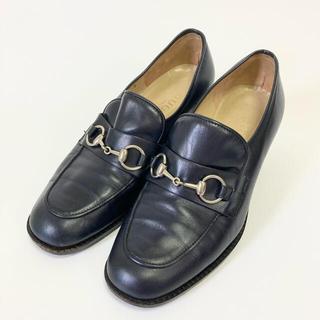 グッチ(Gucci)のGUCCI⭐️グッチ【22.5cm相当】ホースビットローファー ネイビー(ローファー/革靴)