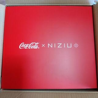 コカ・コーラ - コカコーラ NIZIU  保冷ペットボトルクーラー&ペアグラス 当選品