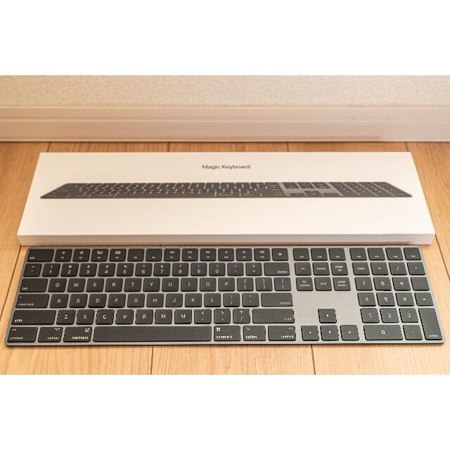 Apple(アップル)のApple 純正 Magic Keyboard 2 US スペースグレー 希少品 スマホ/家電/カメラのPC/タブレット(PC周辺機器)の商品写真