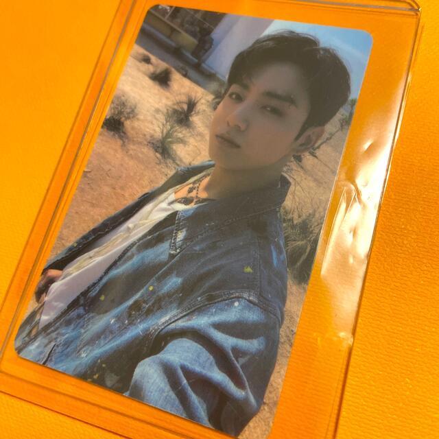 防弾少年団(BTS)(ボウダンショウネンダン)のBTS Butter ラキドロ M2U ジョングク トレカ エンタメ/ホビーのCD(K-POP/アジア)の商品写真