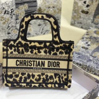 ディオール(Dior)の【超美品】DIOR BOOK TOTE ミニバッグ(トートバッグ)
