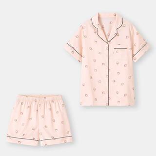 GU - GU サテンパジャマ(半袖&ショートパンツ)(ピーチ)