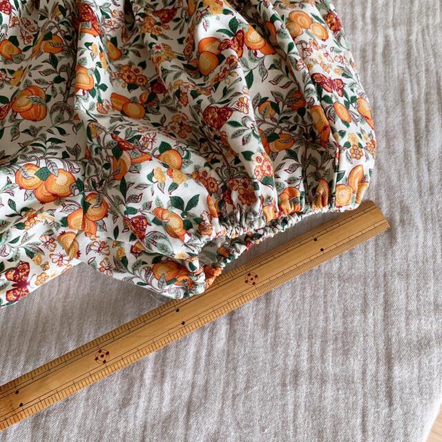 SALE 100〜110 ギャザーたっぷりかぼちゃパンツ リバティ キッズ/ベビー/マタニティのキッズ服女の子用(90cm~)(パンツ/スパッツ)の商品写真