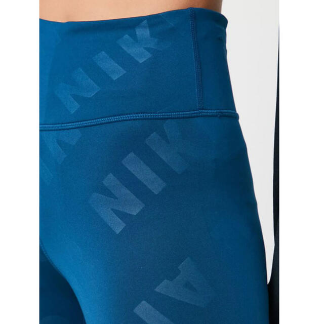 NIKE(ナイキ)のNIKE AIR レディース【S】7/8 ランニングタイツ レギンス 総ロゴ レディースのレッグウェア(レギンス/スパッツ)の商品写真