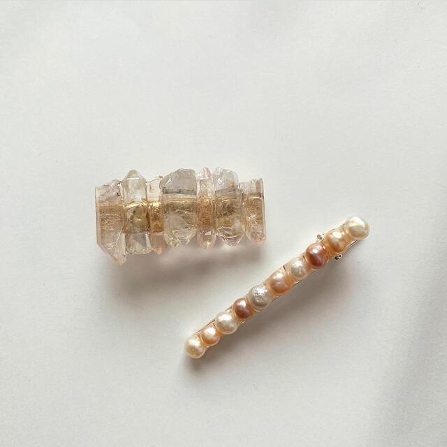 天然石ピンク×クリアヘアクリップ ハンドメイドのアクセサリー(ヘアアクセサリー)の商品写真