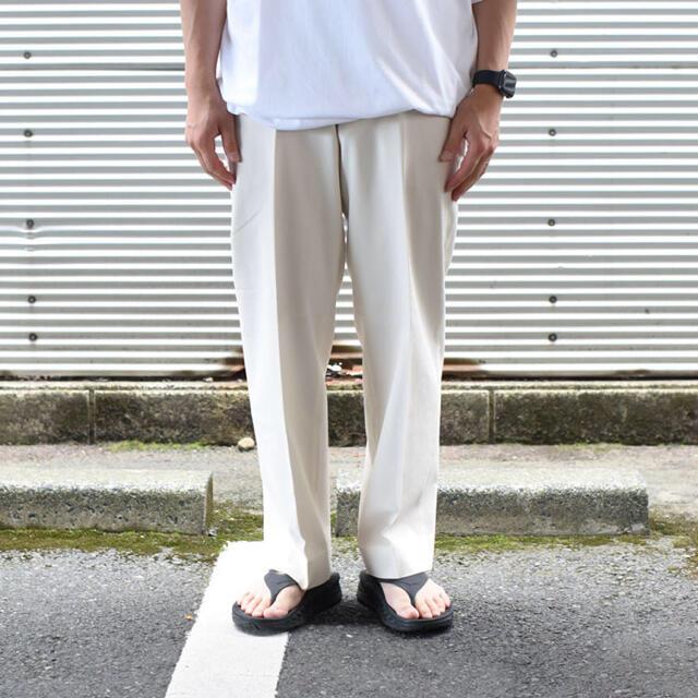 MARKAWEAR(マーカウェア)のMARKAWARE 21sss FLAT FRONT TROUSERS メンズのパンツ(スラックス)の商品写真