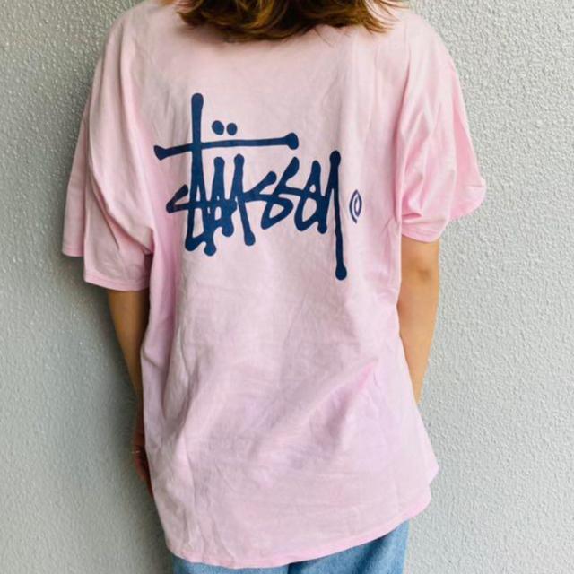 STUSSY(ステューシー)のステューシー stussy tシャツ ピンク ネイビー ロゴ バケットハット メンズのトップス(Tシャツ/カットソー(半袖/袖なし))の商品写真