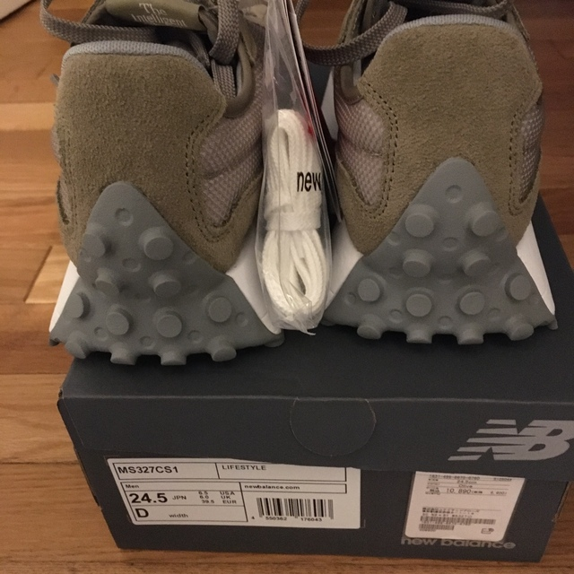 BEAUTY&YOUTH UNITED ARROWS(ビューティアンドユースユナイテッドアローズ)の*nana98さま専用*New Balance327 レディースの靴/シューズ(スニーカー)の商品写真