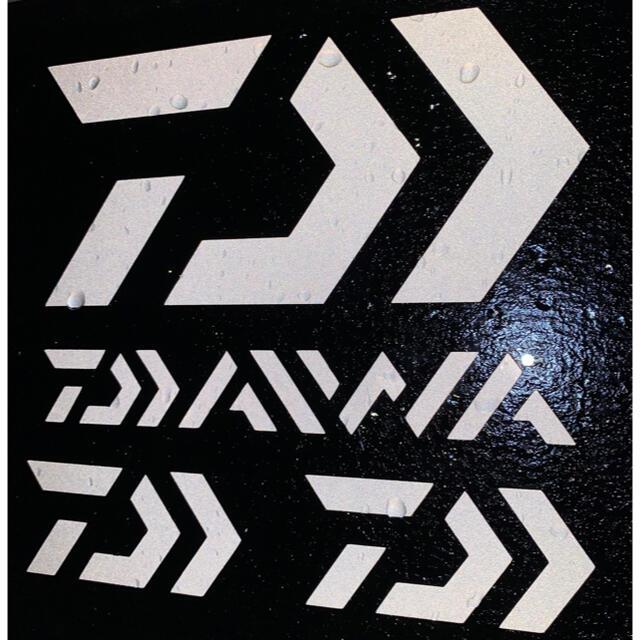 DAIWA(ダイワ)のダイワ カッティングステッカー 反射ホワイト 超防水 4枚セット スポーツ/アウトドアのフィッシング(その他)の商品写真