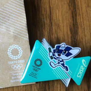 asics - オリンピック asics バッジ ミライトワ 記念品 非売品 貴重 数量限定