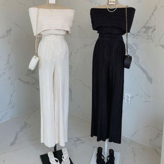 STYLENANDA - 【予約商品】《4カラー》プリーツ オフショル セットアップ 韓国ファッション
